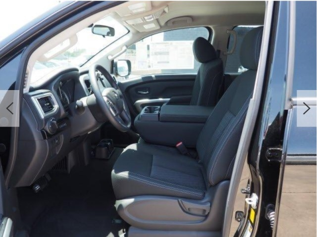 2019 TITAN BLACK CREW CAB DRIVERS SIDE